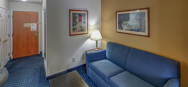1 King Bed Room at Wingate by Wyndham Atlanta/Six Flags Austell